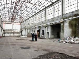La fabbrica è piena. Irene Dionisio